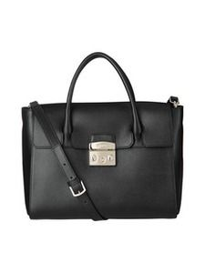 Furlan Metropolis M -laukku kulkee mukanasi kätevästi kaikkialle. Tilaa omasi stockmann.com-verkkokaupasta!