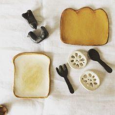 パン、れんこん、フォーク…モチーフは日常にあふれています。 あまり凝らないのもコツかもしれません。