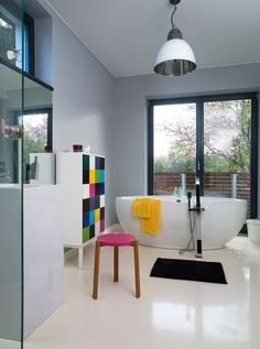 Modern bath color