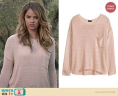 Malia's light pink knit sweater on Teen Wolf.  Outfit Details: http://wornontv.net/35566/ #TeenWolf