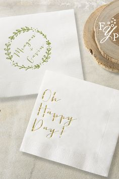 How adorable are these foil stamped napkins! Pair a saying with a personalized design for a cute variation.