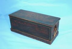 A. W. Hallowell Grain Painted Sea Chest