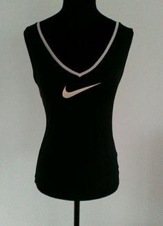 À vendre sur #vintedfrance ! http://www.vinted.fr/mode-femmes/debardeurs/55797811-debardeur-sport-nikefit-noir