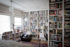 Flat Interior, Interior Design, Bookshelves, Bookcase, Book Corners, Cozy Nook, Dream Rooms, Shelving, Master Bedroom