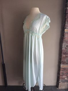 258041bf90 Plus Size Vintage 1960 s Navy Sweep Gown   60s Cream Lace Nightgown   1960s  Volup Lingerie   60 s Hollywood Glam Loungewear   Shadowline XL