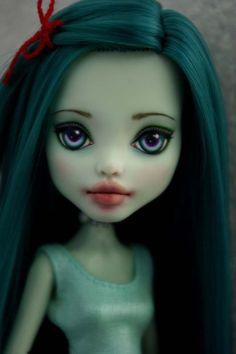 OOAK Monster High Frankie  custom  Repaint by Hyangie