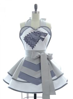 Retro Apron - Silver Wolf Sexy Womans Aprons - Vintage Apron Style - Pin up Stark Suit of Armor Rockabilly Cosplay Retro Apron, Aprons Vintage, Vintage Linen, Unique Vintage, Stephane Rolland, Yohji Yamamoto, Cosplay, Collars, Game Of Thrones 3