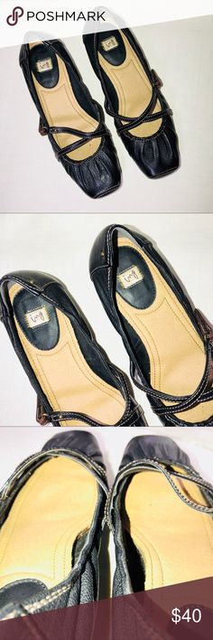 "ing Black Leather Shoes Size 23cm ing is a Japanese Brand Pre owned in great condition  Square toe with soft footbed, narrow type 🔹Heel 1.25"" 🔹Width Outsole 3"" Minor scuff ing Shoes Heels"