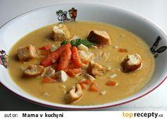 Celerová krémová polévka s mrkví a kuřecím masem recept - TopRecepty.cz Cheeseburger Chowder, Thai Red Curry, Ham, Food And Drink, Ethnic Recipes, Soups, Hams, Soup, Chowder