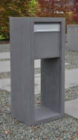 Mooi. Betonnen moderne brievenbus