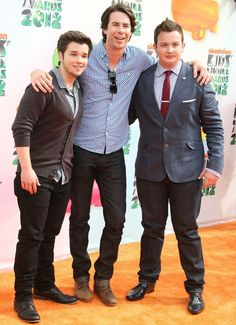 Nathan Kress , Jerry Trainor & Noah Munck- my crew Crazy Celebrities, Celebs, Jerry Trainor, Icarly Cast, Icarly And Victorious, Nathan Kress, Miranda Cosgrove, Hooray For Hollywood, Cute Actors