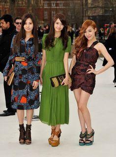 Yoona,Tiffany,Seohyun in Fashion Show of Burberry Prorsum in London 2012 February