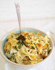 Low Unwanted Fat Cooking For Weightloss Roast Pumpkin, Herb, And Walnut Pasta Bake This Pasta Makes A Case For Pumpkin Season Lasting Beyond Fall. Cooking Pumpkin, Pumpkin Recipes, Fall Recipes, Pumpkin Pasta, Roast Pumpkin, Pasta Recipes, Cooking Recipes, Healthy Recipes, Yummy Recipes