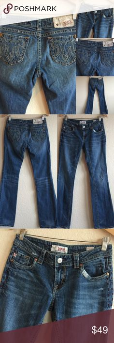 """MEK Jeans  Zanzibar Easy Boot Cut 27 X 36 Beautiful jeans in great condition!  Tag says 36"""" length, but length is actually measured at 34"""" for the inseam.   A62075016GW MEK Jeans Boot Cut"""