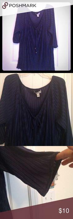 🎉SALE🎉 Nice Plus Size Pleated Top Navy blue top with a rounded v-neck that ties. Material is pleated and size 18/20. NWOT French Laundry Woman Tops Blouses
