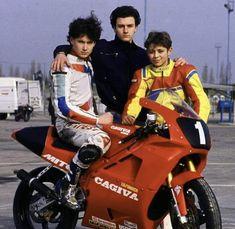 Valentino Rossi VR46 mit Cagiva Motorrad. Die erste Schritte zum Weltmeister. Valentino Rossi, Motocross, Ducati, Yamaha, Bike Pic, Motorcycle Racers, Biker Boys, Vr46, Isle Of Man