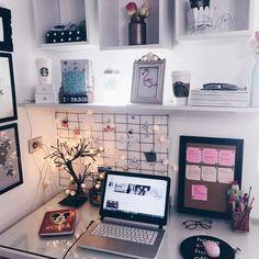 ✃ ┈ pinterest: mepeachuu ♡ posts em 2019 study room decor, b Study Room Decor, Cute Room Decor, Study Rooms, Study Space, Desk Space, Bedroom Desk, Bedroom Furniture, Furniture Ideas, Army Bedroom