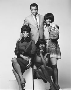 Berry Gordy Jr and the Supremes studio portrait, USA. Clockwise from top: Berry Gordy, Diana Ross, Mary Wilson, Florence Ballard. Photo by Gilles Petard/Redferns Diana Ross Supremes, Berry Gordy, Mary Wilson, Tamla Motown, Soul Artists, Music Artists, Vintage Black Glamour, Soul Singers, The Jacksons