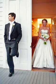 36 Touching First Look Wedding Photos ❤ See more: http://www.weddingforward.com/first-look-wedding-photos/ #weddings #photography