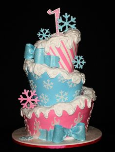 Winter ONEderland TopsyTurvy {by its-a-piece-of-cake, via Flickr} #winter #birthday