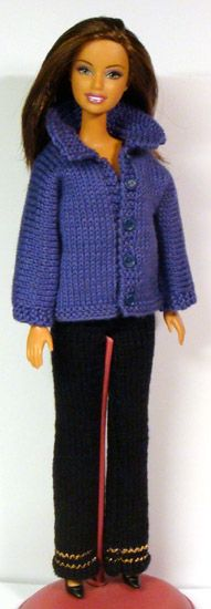 Pattern - Pattern in many languages including English. Barbie Knitting Patterns, Knitting Dolls Clothes, Barbie Clothes Patterns, Knitted Dolls, Doll Patterns, Clothing Patterns, Doll Clothes, Knitting For Kids, Free Knitting
