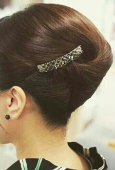 Roll Hairstyle, Rolled Hair, Japan, Earrings, Jewelry, Fashion, Coiled Hair, Ear Rings, Okinawa Japan