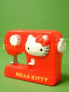 Minature Hello Kitty Sewing Machine Magnet  #hello kitty #sanrio #magnet #zakka
