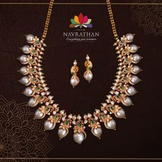 Gold Bangles Design, Gold Jewellery Design, Bead Jewellery, Beaded Jewelry, Antic Jewellery, Pearl Jewelry, Gold Jewelry, Classic Bridal Jewellery, Indian Bridal Jewelry Sets