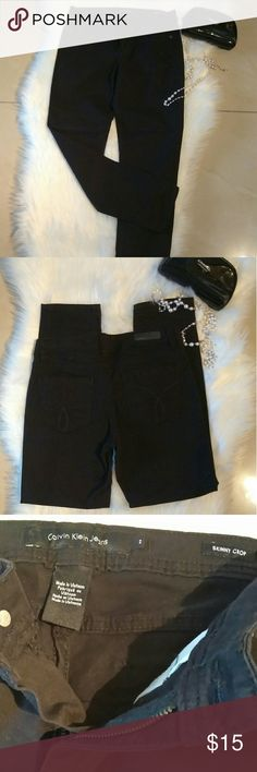 """Calvin Klein Black Skinny Crop Jeans Super cute in great pre-loved condition. Waist 26"""", Inseam 25"""". Perfect staple piece to add to your wardrobe. Calvin Klein Jeans Jeans Ankle & Cropped"""