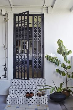 Three-D Conceptwerke Pte Ltd Home Grill Design, Grill Door Design, Door Gate Design, Steel Building Homes, Modern Tiny House, House Front Design, House Doors, Steel Doors, Interior Exterior