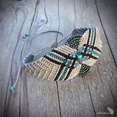 bracelet en macramé avec perles de verre