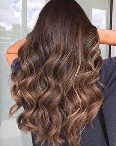 25 Shades Of Brown Hair Color You Could Try 25 tons de cabelo castanho que você pode experimentar Brown Hair Shades, Light Brown Hair, Brown Hair Colors, Long Hair Colors, Brown Hair Inspo, Brown Hair Balayage, Hair Color Balayage, Bayalage, Bronde Balayage
