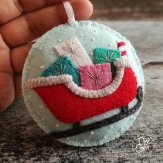 Felt Christmas Decorations, Christmas Ornament Crafts, Personalized Christmas Ornaments, Felt Ornaments, Christmas Projects, Felt Projects, Pumpkin Ornament, Red Tree, Christmas Embroidery