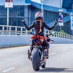 via @vaunephan _ _ _ #ridingsexy #girl #bikelife #stance #bike #worldwide #sexy #sunday #sundayfunday #guns #cargirl #cars #sundayfunday #photooftheday #stuntgirls # #live #biker #rideordie #love #cargirl #guns #pewpew #mustang