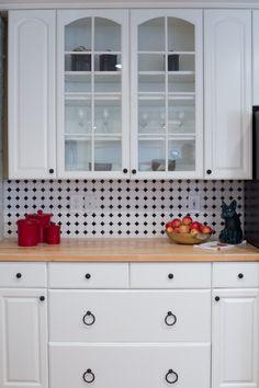 Kitchen - Backsplash Tile - Octagon & Dot - Matte White with Black Glossy Dot - #6501 | DALTILE