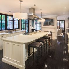 Kim kardashian home interior 55 Trendy Ideas Celebrity Kitchens, Celebrity Houses, Kim Kardashian Casa, Kris Jenner House, Beverly Hills Houses, Unusual Homes, Best Kitchen Designs, House On A Hill, Kitchen Photos