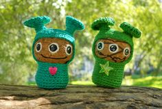 Crochet aliens  from champagne corks. Cute.