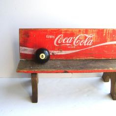 coca cola crate bench-LOVE Like our Facebook page! https://www.facebook.com/pages/Rustic-Farmhouse-Decor/636679889706127