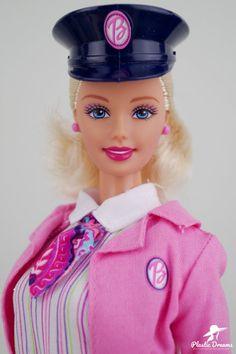Barbie 90s, Vintage Barbie Dolls, Barbie And Ken, Barbie Clothes, Selfies, Castle Dollhouse, Miniature Crafts, Childhood Toys, Doll Toys