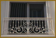 Steel Grill Design, Grill Gate Design, Balcony Grill Design, Balcony Railing Design, Staircase Design, Wrought Iron Staircase, Iron Stair Railing, Fence Wall Design, Door Design