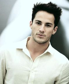 This is like the main reason I am in love with the Vamp Diaries. TYLER LOCKWOOD!!!!!! <3