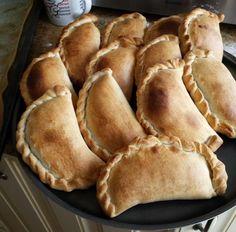 Receta de empanadas de atún con pimiento morrón, cebolla y huevo. Una delicia!!