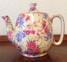http://www.ebay.co.uk/itm/Royal-Winton-Grimwades-Mayfair-Tea-for-one-Breakfast-Teapot-/162410249656?hash=item25d067bdb8:g:h~MAAOSwCU1Ysr~9