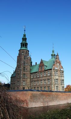 Rosenborg's moat was dug in 1613, when Christian IV began the construction of his pleasure palace, which would later become Rosenborg. Copyright: Rosenborg Castle / Rosenborg Slot