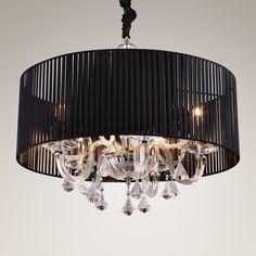 Czarna lampa wisząca z kryształkami wykończona chromem podkreśli klimat każdego salonu. #mlamp #oświetlenie #lampa #lampy #glamour #wystrójwnętrz #salon