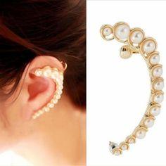 arete ear cuff con perlas $32