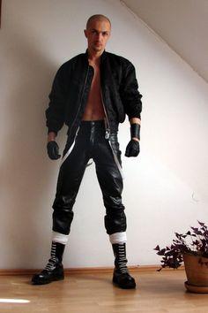 Mens fetish rubber boots