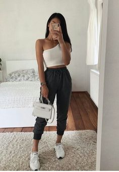 Which sweatpants outfit do you prefer? 1 or Teen Fashion Outfits, Sporty Outfits, Look Fashion, Chic Outfits, Summer Outfits, Sporty Fashion, Fashion Women, Winter Fashion, Arab Fashion