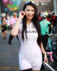 #ปั่นวัดใจมังกรปากน้ำโพ3 Beautiful Athletes, Female Cyclist, Cycling Girls, Bicycle Girl, Bike Style, Sporty Girls, Sports Women, Sport Outfits, Asian Girl