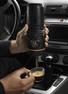 Portable Espresso Maker < I want one of this